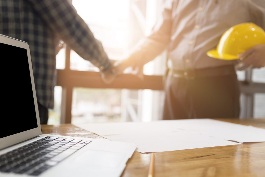 contractor shaking hands, contract compliant with ir35
