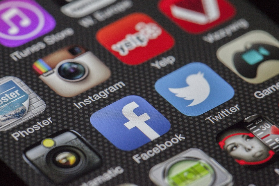Should Businesses Be Using Social Media?